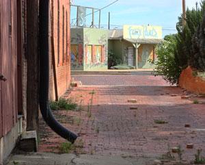 back-alleyway