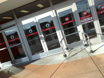 Automatic or manual entrance doors?